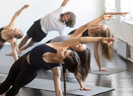 Cómo mejorar la fuerza muscular gracias al yoga